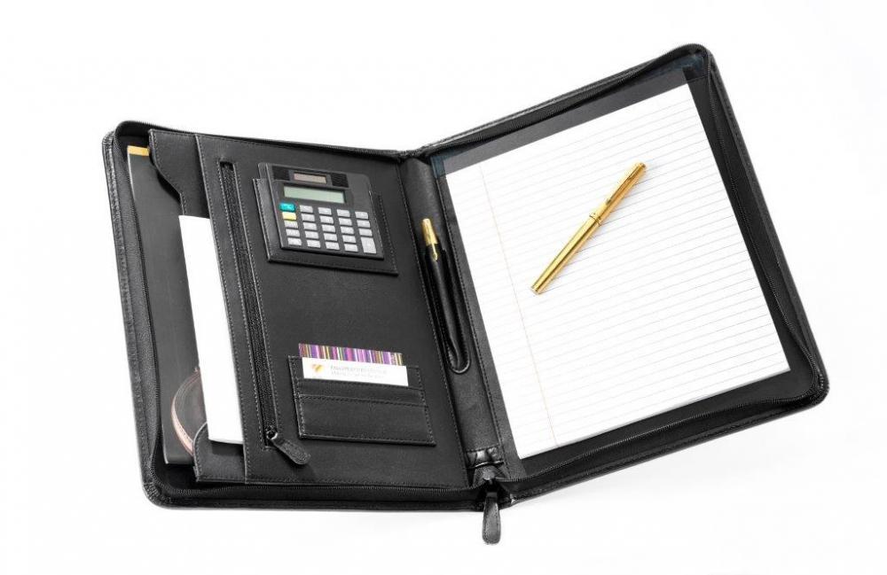 Mapa Conferinte A4  Imitatie Piele Neagra De Lux  Cu Buzunare Si Calculator  Falcon